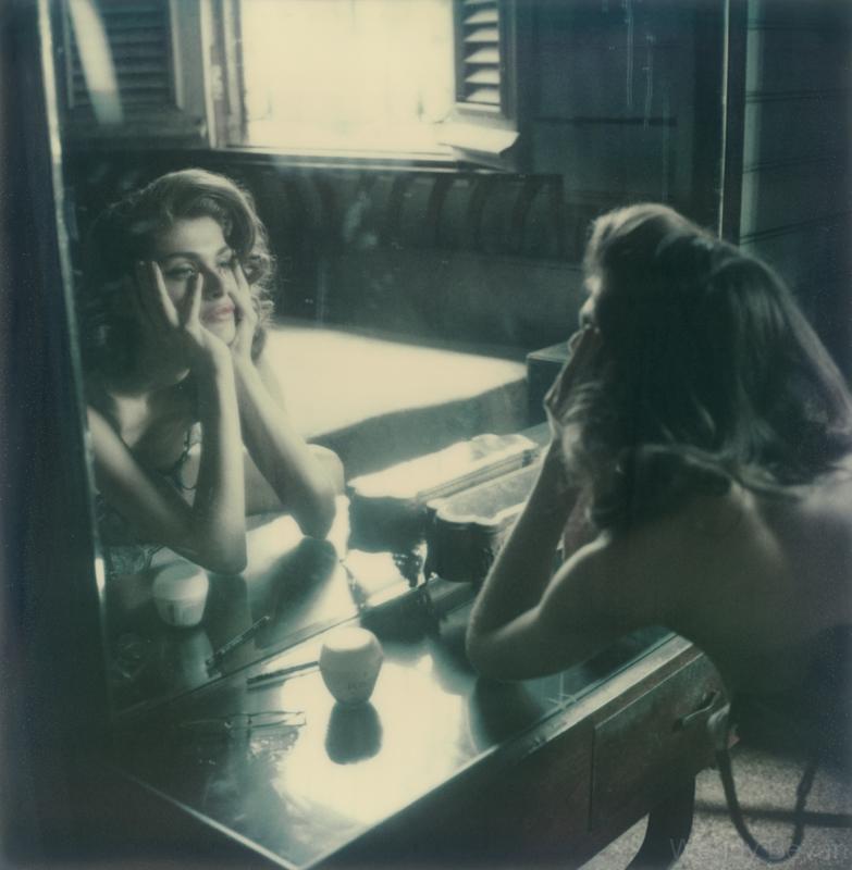 atelierchristine.com-marie-claire-fashion-photography-polaroid-wendy-bevan-atmosfere-neorealiste-01